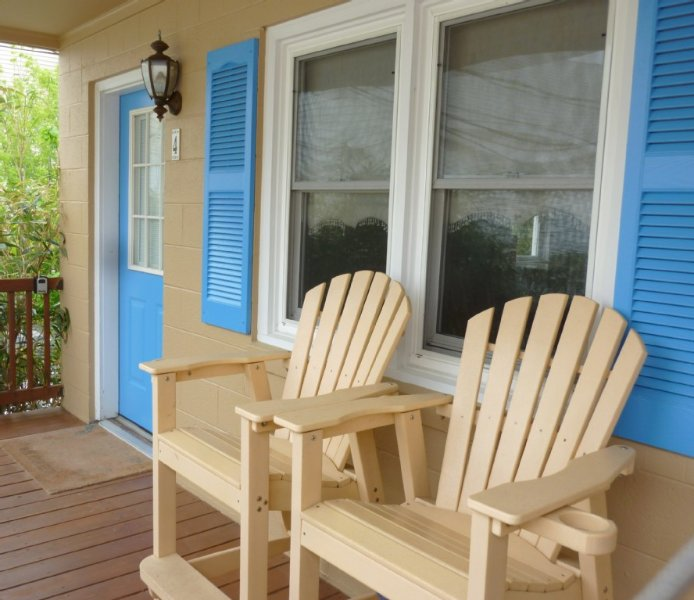 Beach Therapy: Adorable Ocean-block Studio! 100 steps to beach! W/parking spot, casa vacanza a Rehoboth Beach