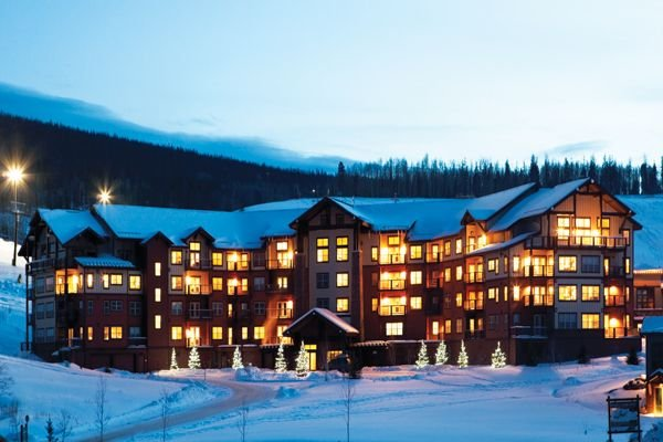 2 Bed 2 Bath w/sofa sleeper luxury slope side ski-in/ski-out condo, alquiler de vacaciones en Granby