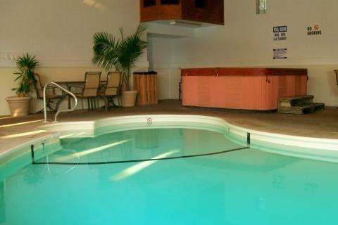 Lakeside Vacation Condo Retreat - Close to Indoor Pool/Hot Tub, alquiler de vacaciones en Lake Ozark