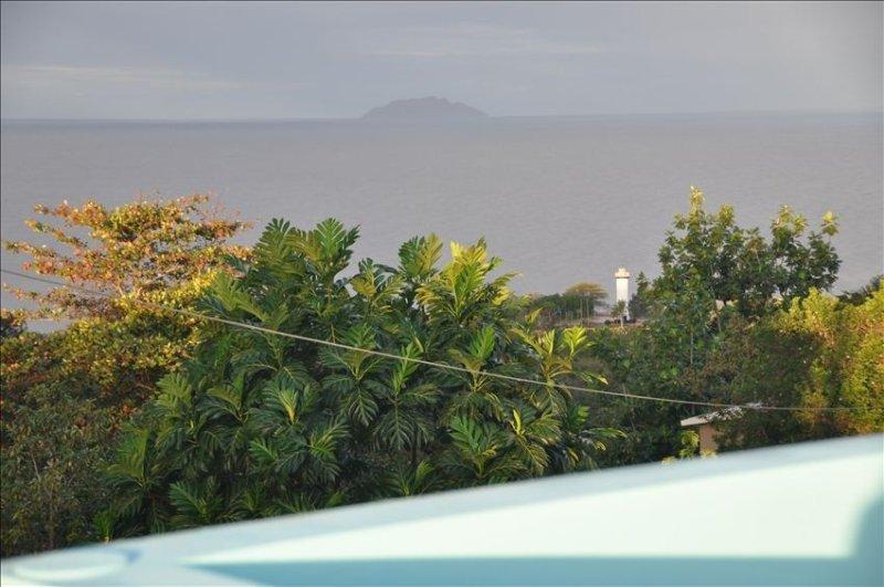 Walk 2 Beach, High End Amenities, Panoramic Sunset View, Roof Top Deck, aluguéis de temporada em Aguada