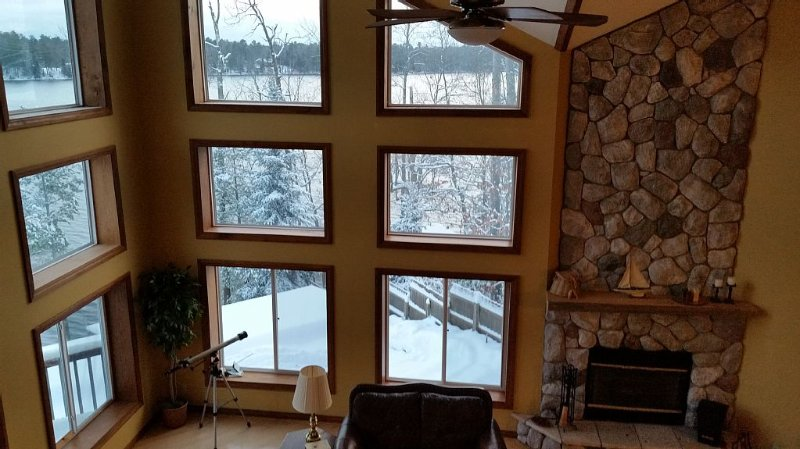Large Scenic Family Room