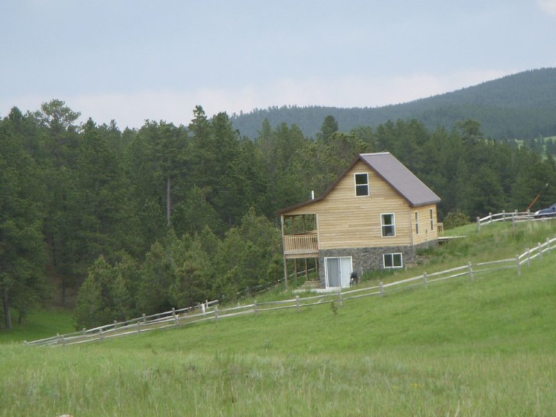 Black Hills Forest Edge Cabin, vacation rental in Hill City