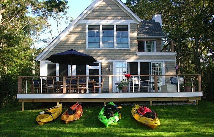 Stunning New Waterfront Home on Peconic Bay, Gorgeous Sunsets, Private Dock, vacation rental in New Suffolk