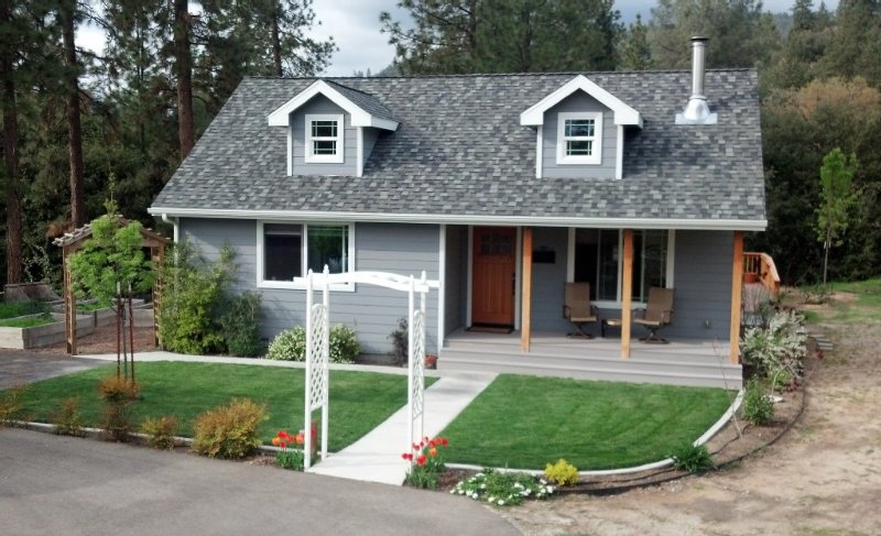 Rent This 2 Bedroom Cottage For Your Mountain Getaway, holiday rental in Oakhurst