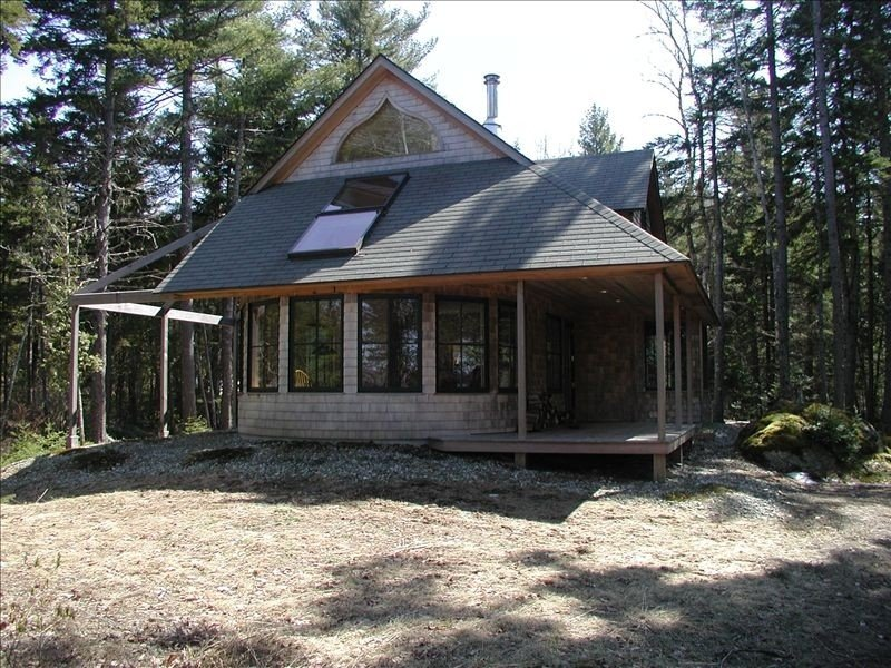 Tranquil Retreat on Woods Pond, holiday rental in Blue Hill