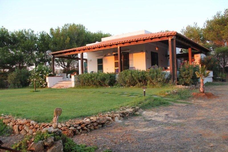 Villa Holiday House In Favignana, vacation rental in Aegadian Islands
