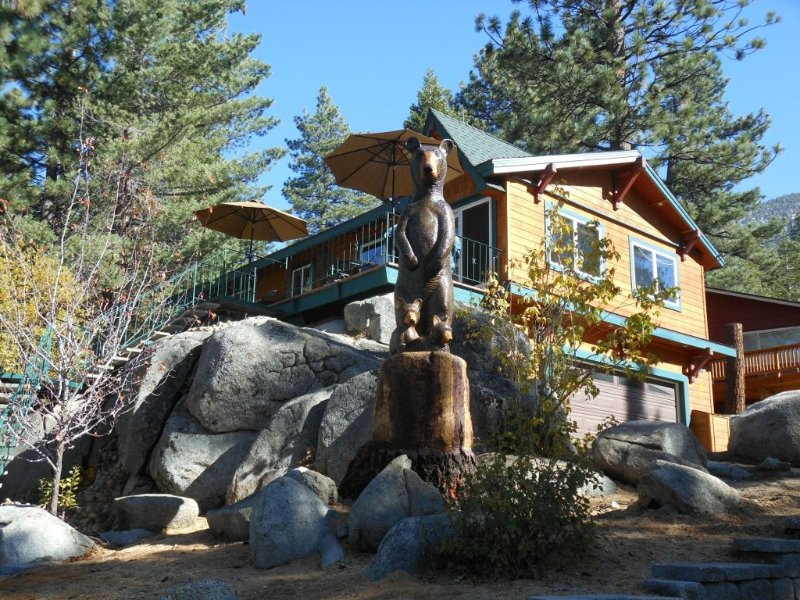 Luxury Lakeview Property- Heavenly Valley-South Lake Tahoe-  5th Night Free!, vacation rental in South Lake Tahoe