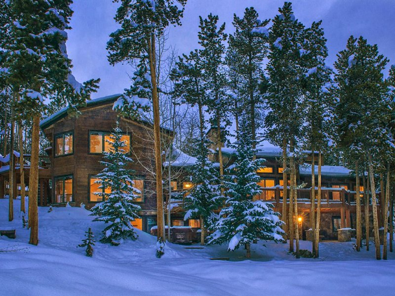 APRIL IS ON SALE!!  SKI IN&OUT!  6 Bdrms; 6 BA.  A Jane's Lodges Featured Home!, vacation rental in Breckenridge