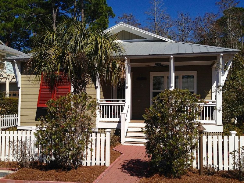 Beautiful home in Cassine Village – semesterbostad i Santa Rosa Beach