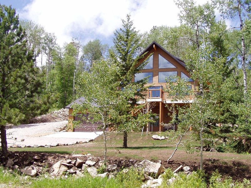 NEW SUMMER LODGE APRIL SPECIAL $189 A NIGHT AT TERRY PEAK CLOSE TO DEADWOOD!!!, location de vacances à Lead