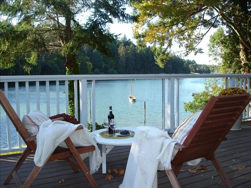 Cozy Waterfront Cottage. Booking Summer 2017 Now!, aluguéis de temporada em Ganges