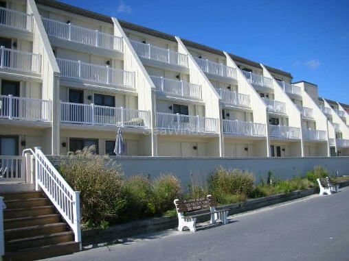 2 Bedroom, Ocean Front Retreat In Prime Location, holiday rental in Sea Isle City
