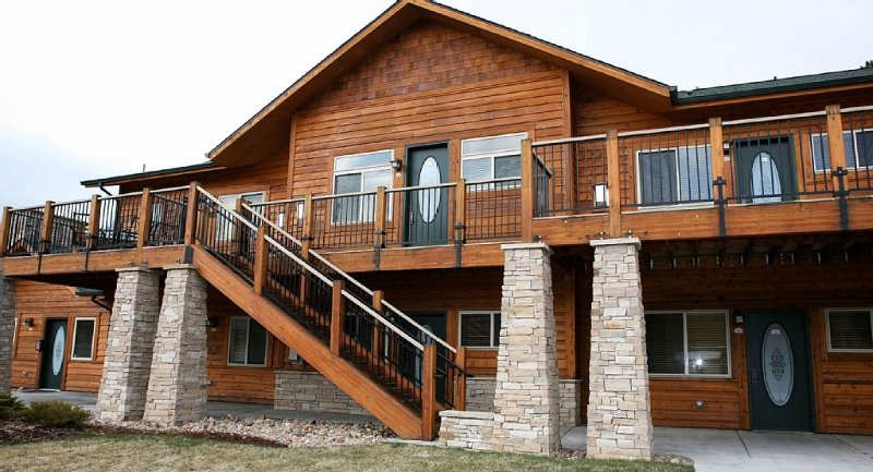 Enjoy a Close Drive to RMNP and a Short Walk to Downtown, vacation rental in Estes Park