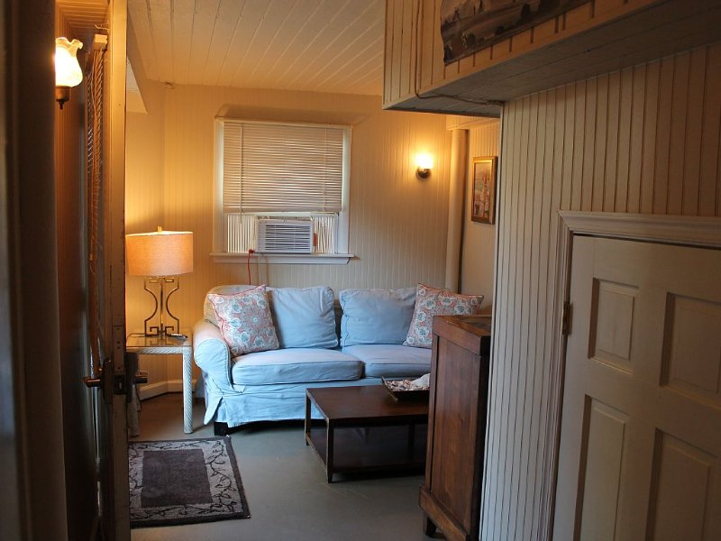 Great Location and Rents as a 3 Night Weekend on Saulsbury St., location de vacances à Dewey Beach