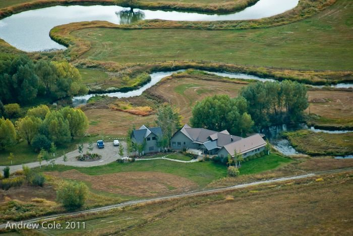Ultimate Isolation- 400 acre ranch with 2 miles of spring creek to fish/float, aluguéis de temporada em Victor