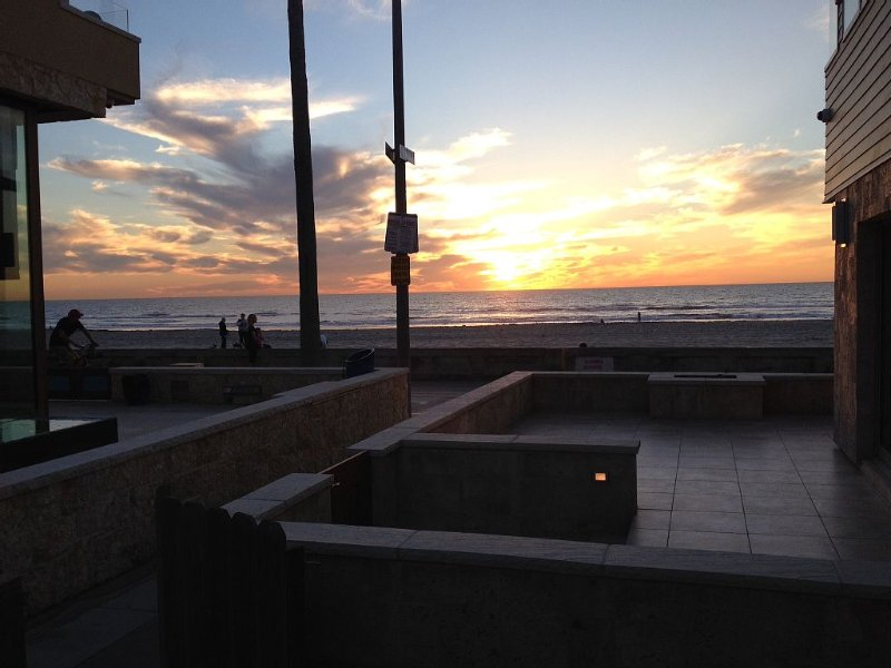 Prime View Location, 1-House Back From Boardwalk Traffic; 3Br, 1.5Ba, Sleeps 6, holiday rental in San Diego