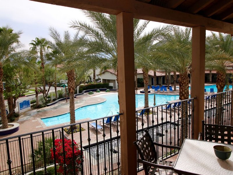 Luxury 2BR Villa By Main Pool And Clubhouse. Last Minute Rates Available!, holiday rental in La Quinta