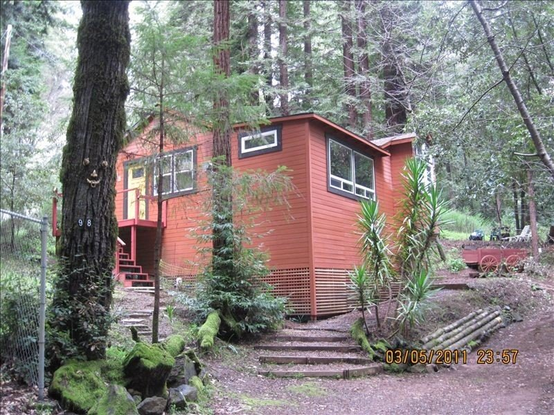 Cabin Getaway, Surrounded by Forest, Relaxing, Occidental Ca, holiday rental in Freestone