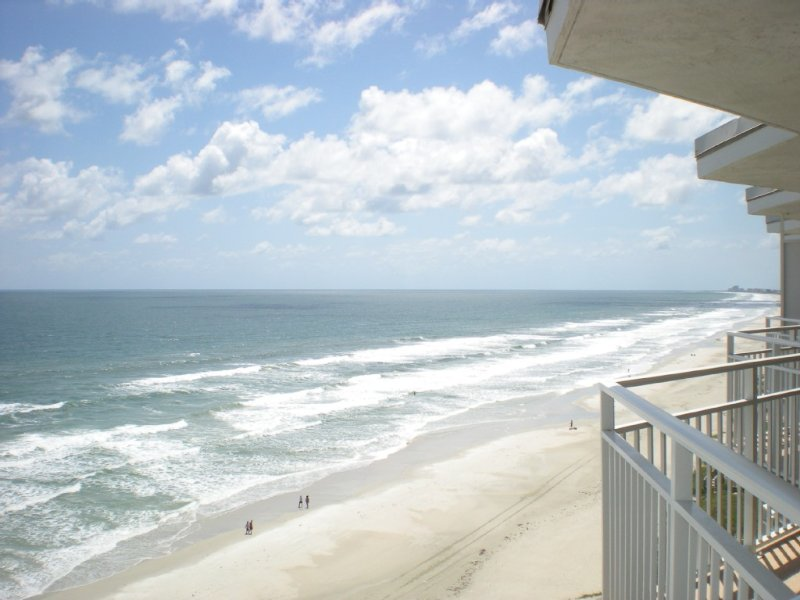 Direct Oceanfront Penthouse, vacation rental in Daytona Beach Shores