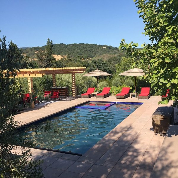 Sonoma Valley-Beautiful Glen Ellen Wine Country Retreat - Amenities Galore!, location de vacances à Glen Ellen