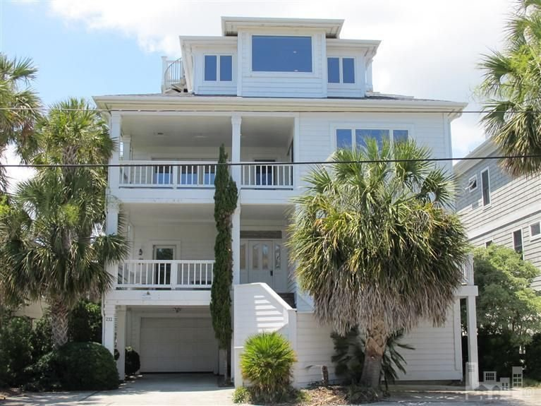 Aquarium- Waterfront with Amazing Views and Private Dock!, holiday rental in Wrightsville Beach