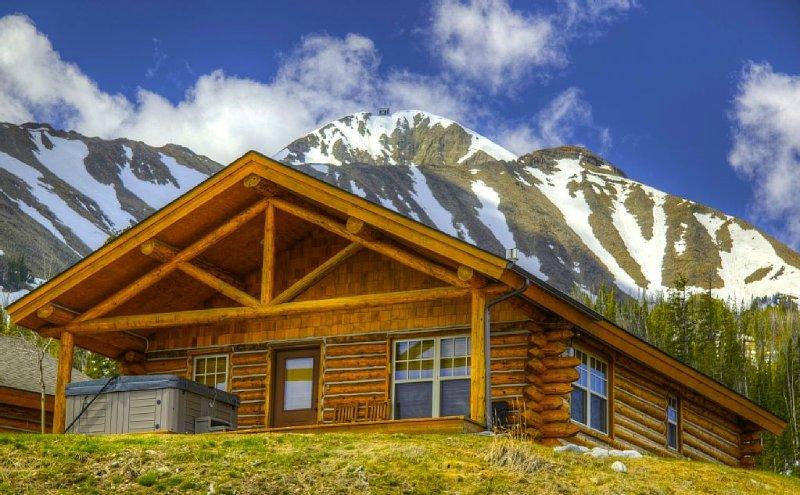 7 Day Summer Cancellation/Wild West Cowboy Heaven Cabin/Views/Hot Tub, holiday rental in Big Sky