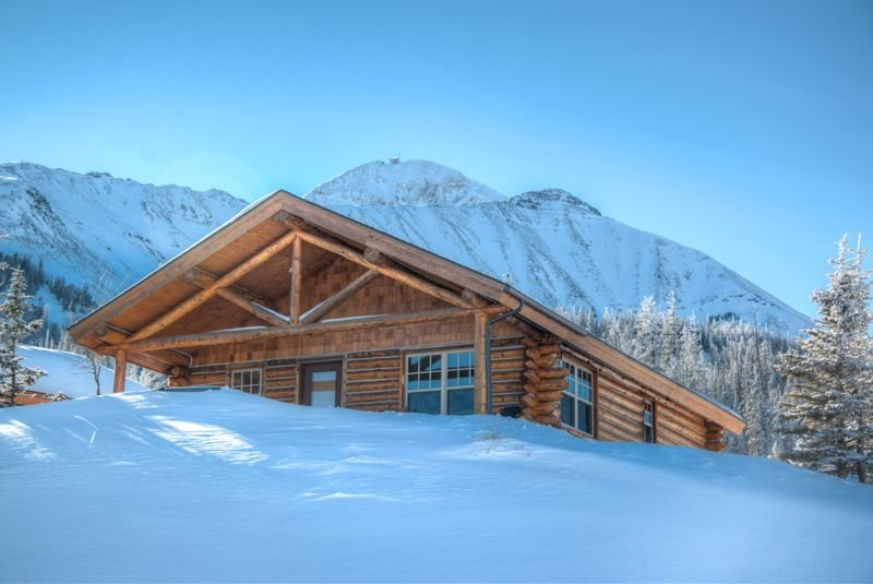 Ski-in/out 'Wild West' Cowboy Heaven Cabin/Jaw Dropping Views/Hot Tub, vacation rental in Big Sky