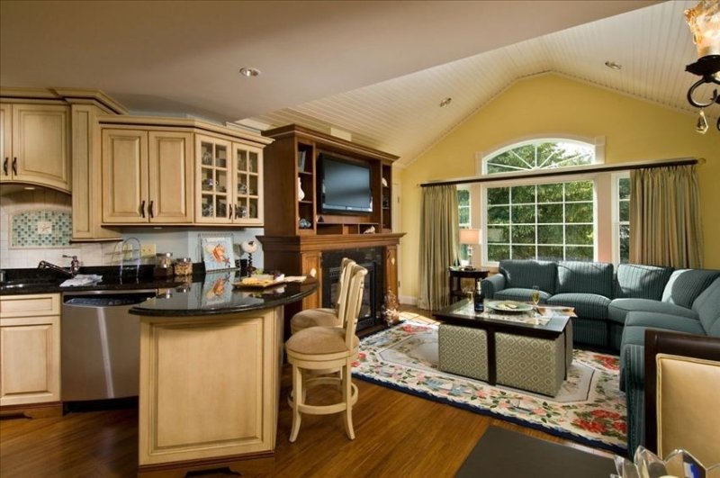 Luxury Condo 3BR/3BA -  Includes Waterpark Passes! Stay where the stars stay., vacation rental in Yarmouth Port