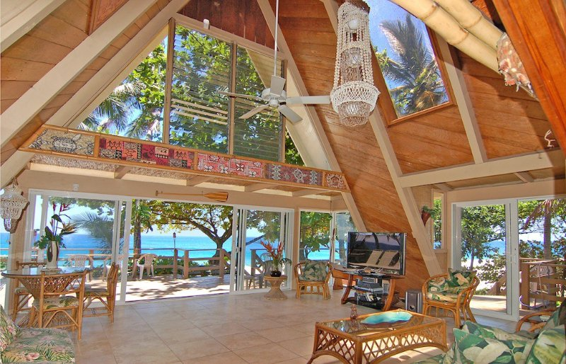 BEAUTIFUL SECLUDED HIDEAWAY!!  A/C AND SPA! THE FABULOUS SUNSET BEACH HOUSE!!, holiday rental in Haleiwa