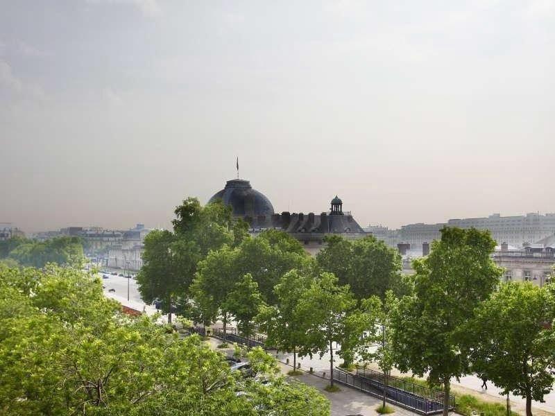 Luxurious on the Champ de Mars, Eiffel & Ecole Militaire views, Balconies, Air C, holiday rental in Paris