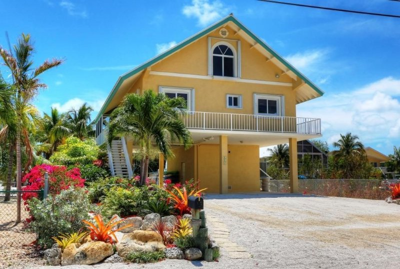 Paradise In Key Largo: Recently Renovated Canal Front 3 Bedroom/3 Bath Home, vacation rental in Tavernier