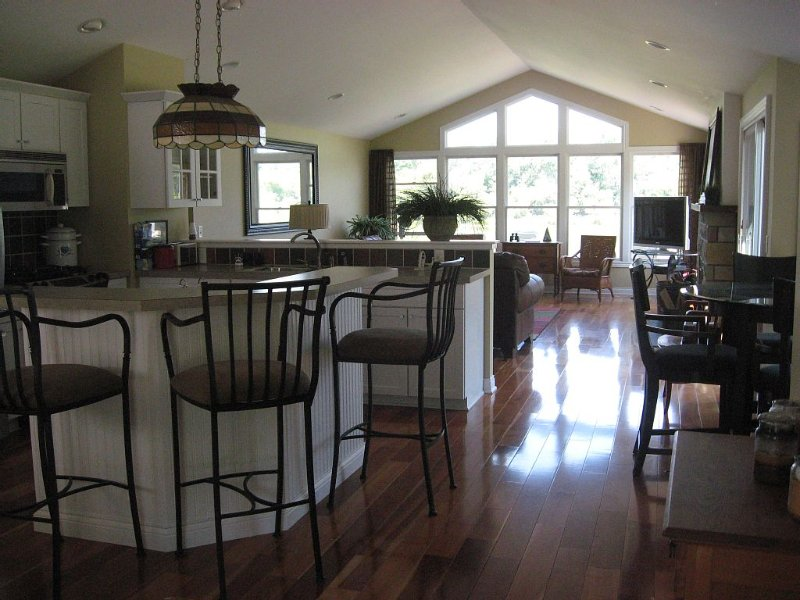 Grand River Retreat with Boat Dock, holiday rental in Grand Haven