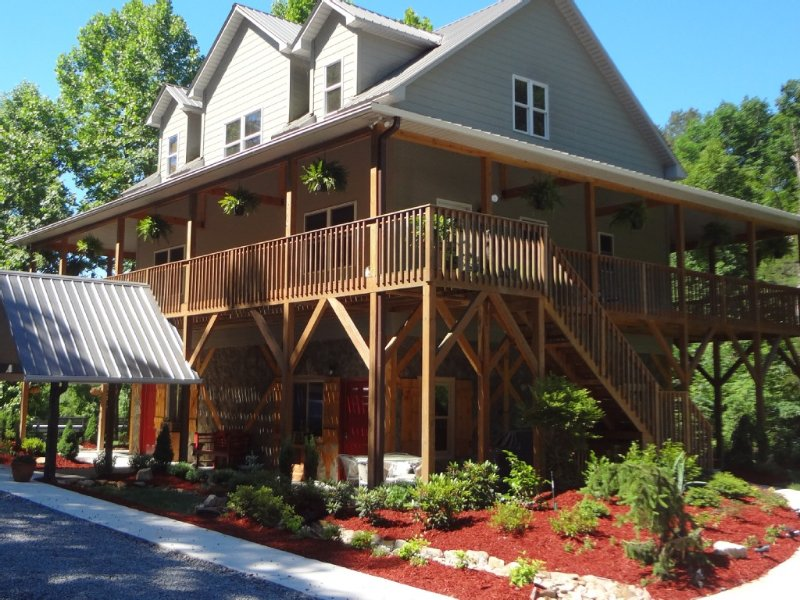 Cozy Blue Ridge Mountain Retreat near Blue Ridge Parkway & Stone Mountain NC, alquiler de vacaciones en Roaring Gap