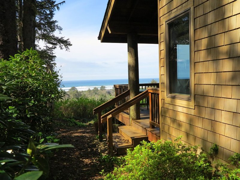 Ocean View OASIS Private Retreat. Luxury and Quality! Sleeps 4., alquiler de vacaciones en Neskowin