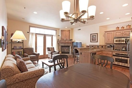 Luxury Main St Condo In Downtown Park City, vacation rental in Park City
