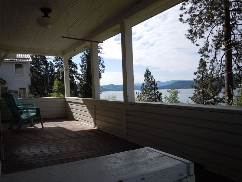 A Place For Family And Friends To Gather And Enjoy The Splendors Of The Lake., holiday rental in Worley