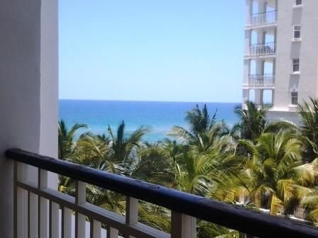 Luxury Beach Front Condo, holiday rental in Montego Bay