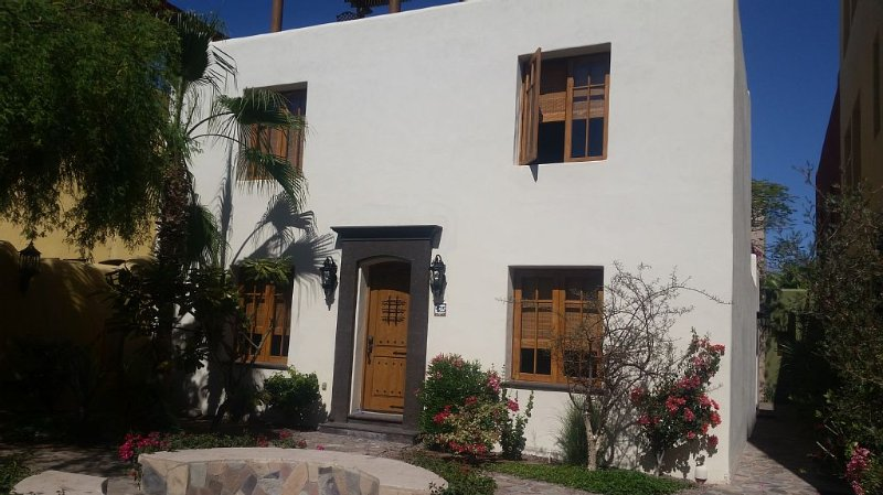 Family casa in Loreto Bay - a dream for those that enjoy the outdoors., vacation rental in Loreto