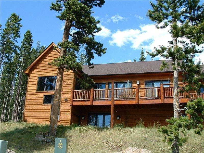 'View Manor' -  Five Master Suites!!, vacation rental in Breckenridge
