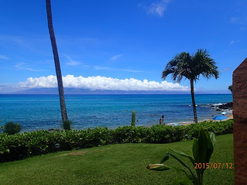 Oceanfront at Kuleana - Ground Floor Condo Steps from Ocean - 5 Star Reviews, vacation rental in Lahaina