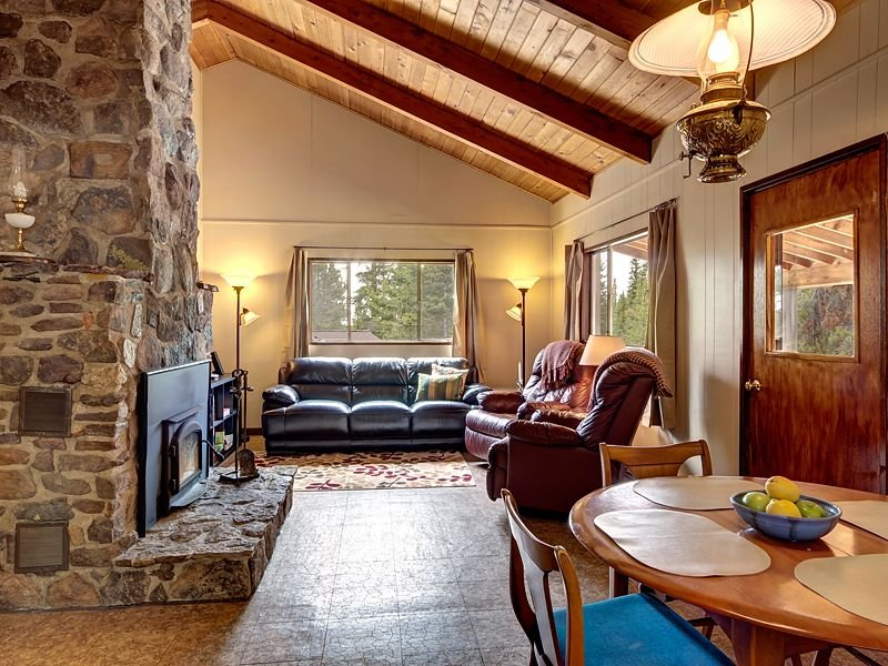 Cabin Colorado: Adventure and Serenity on a 10-acre Evergreen Forest, casa vacanza a Fairplay