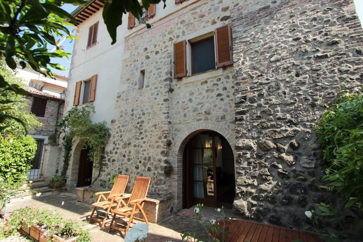 Historic House in the heart of Valdorcia near Pienza and Montepulciano., holiday rental in Radicofani