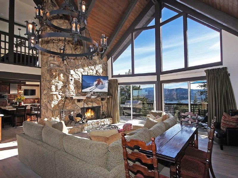 Matterhorn Pines - Newly Remodeled Vacation Rental, alquiler de vacaciones en Lake Arrowhead