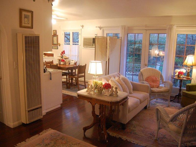 Elegant - Peaceful - Romantic - Private, vacation rental in Healdsburg