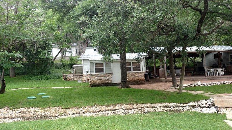 Great 'Lake House #2' Just Yards From Marina & Lake Access, casa vacanza a Clifton
