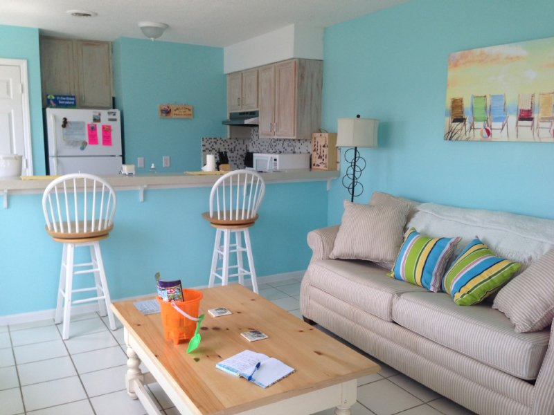 Recently Renovated, 1 BR 1.5 Bath Condo with Ocean View, Ferienwohnung in Carolina Beach