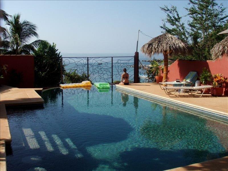 Chacala Beachfront Home with Awesome Views, aluguéis de temporada em Chacala