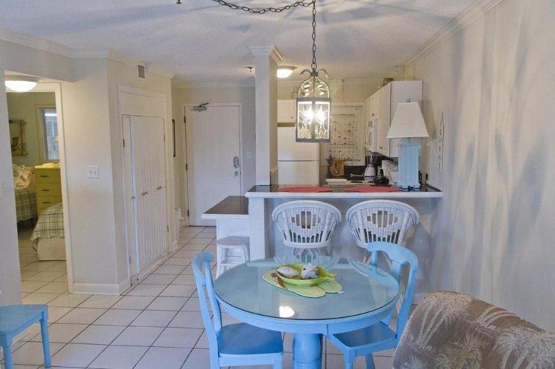 Affordable Ocean Getaway!, alquiler de vacaciones en Hilton Head