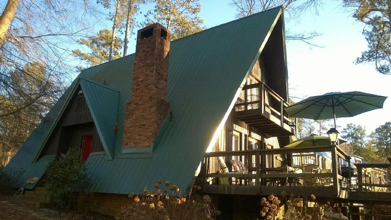 Fisher Hollow Waterfront Cabin Lake Guntersville, location de vacances à Albertville