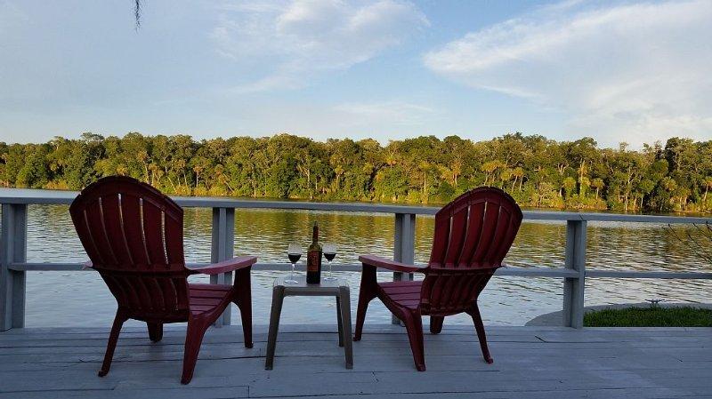 Homosassa Riverfront Retreat - Family Friendly! - Relax & Enjoy!, vacation rental in Homosassa